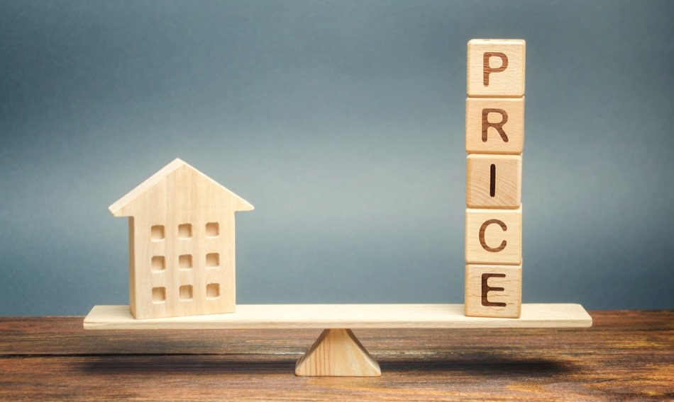What to Know About Over- and Under-Pricing a Home